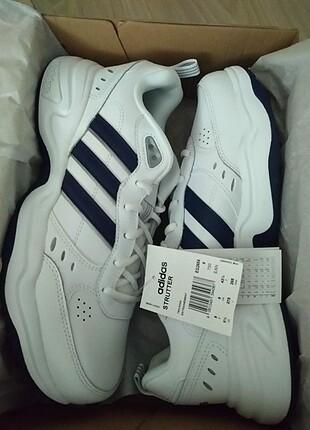 Sıfır ürün hiç kullanılmamış adidas ayakkabı