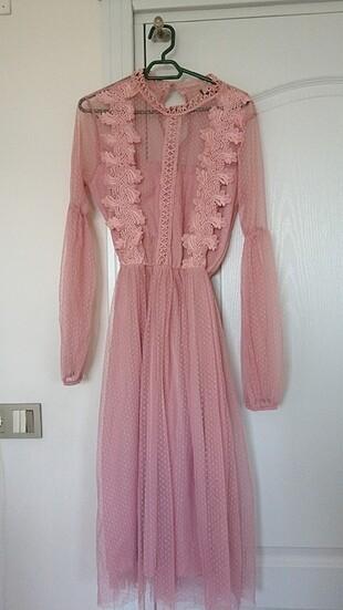 Bir kere tek kullanılmış midi boy pembe elbise