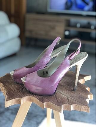Açık burun ayakkabı