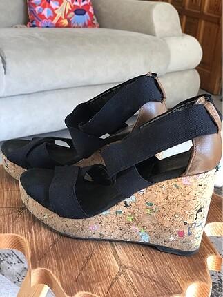 Açık burun gizli platform ayakkabı