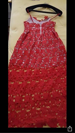 Kırmızı güpür dantel uzun kokteyl elbise