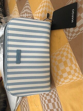 Mango makyaj çantası