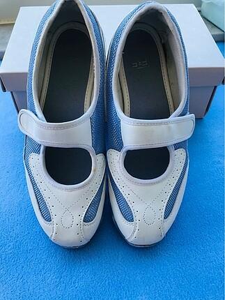 Kadın spor ayakkabı 39 no.