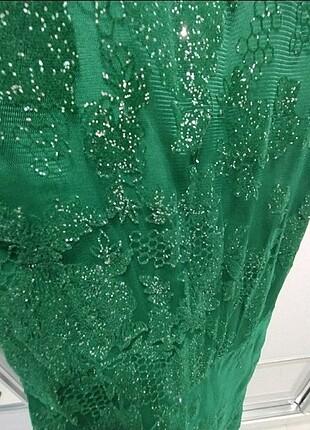 Zümrüt yeşili gece elbisesi balık modeli