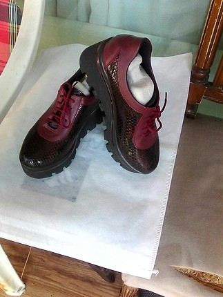 Bordo dolgu taban ayakkabı