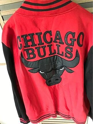 Chicago bulls sweat
