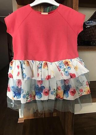 Kabarık etekli çocuk elbise