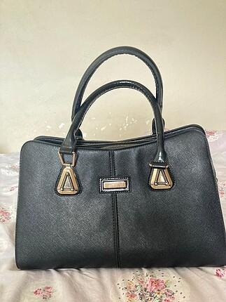 Siyah şık klasik çanta
