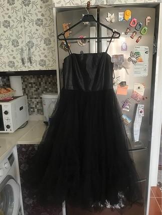 Siyah kabarık miydi tüllü abiye elbise