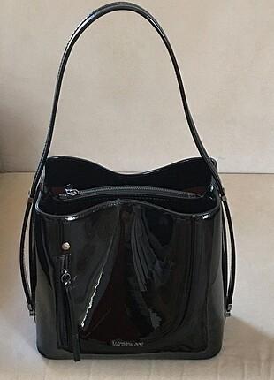 Siyah şık orta boy kol çantası