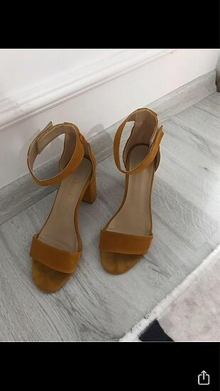 Bambi Hardal rengi kalın topuklu ayakkabı