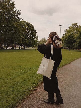 Bej rengi bez çanta