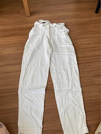 Bershka beyaz kemerli pantolon