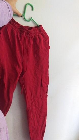 Kırmızı kargo pantolon