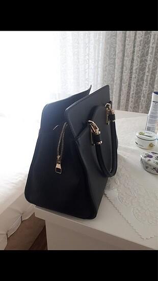 Beden Siyah kol çantası