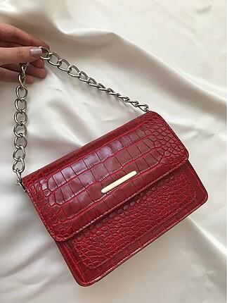 Kırmızı kroko kol çantası