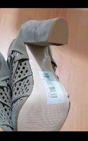37 Beden etiketli ayakkabi