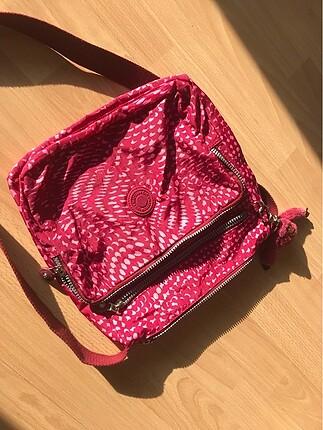 Çok az kullanılmış gündelik çanta
