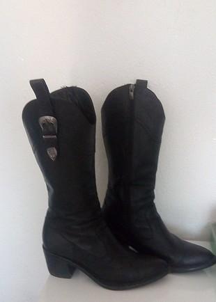 diz altı çizme ayağımı sıktı iki kere giydim yep yeni alıcısı gü