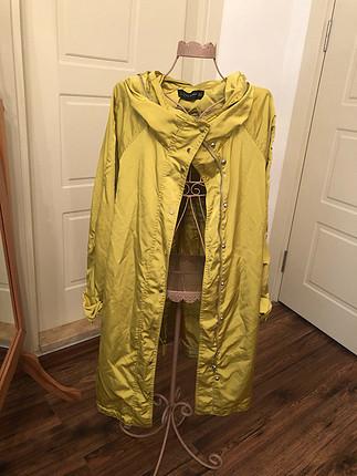 Zara yağmurluk