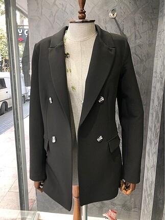 İhracat fazlası siyah ceket