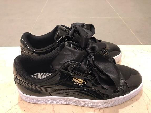 Puma bağcıklı siyah spor ayakkabı