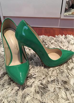 Yeşil stiletto