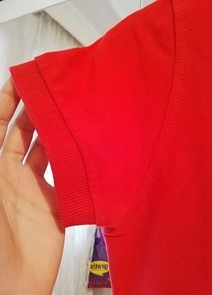 s Beden Kırmızı tişört