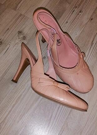 Toz Pembe Ayakkabı