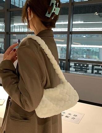 American Vintage Beyaz kalpli peluş çanta