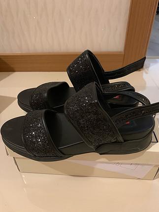 Siyah Bambi sandalet