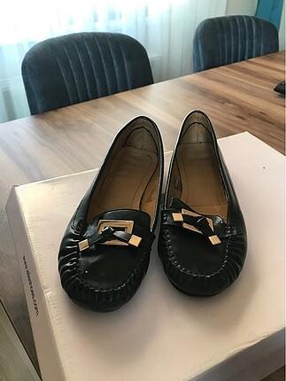 Derimod siyah babet ayakkabı