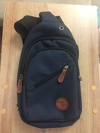 Çarpraz askılı çanta