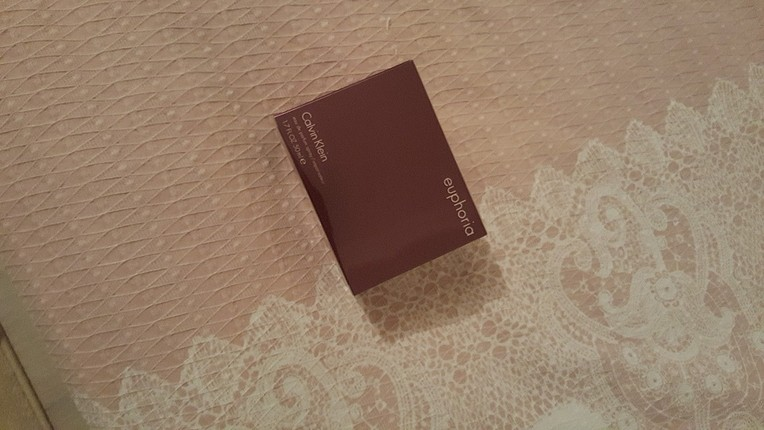 yeni etiketli orjinal parfüm