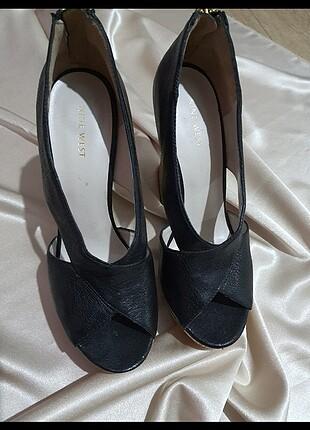 Nine West Mantar Topuk Ayna Detaylı Yüksek Ayakkabı