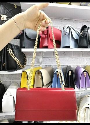 Kırmızı portföy çanta