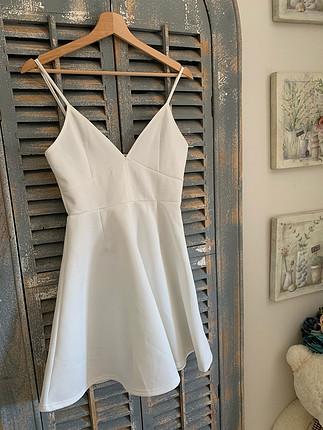 Zara Beyaz askılı şık elbise