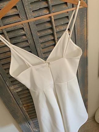 s Beden Beyaz askılı şık elbise