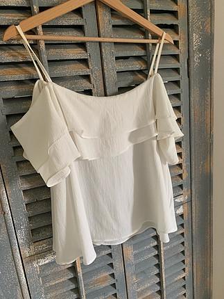 Volanlı omuz detaylı gömlek