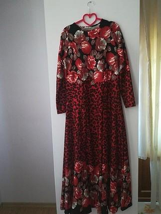 bordo çiçekli elbise