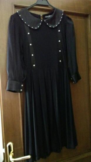 Siyah, inci detaylı elbise
