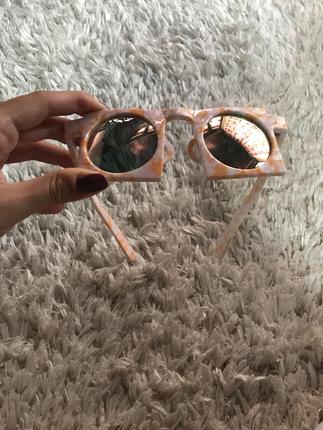 Kare güneş gözlüğü