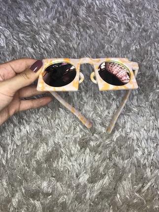 universal Beden Kare güneş gözlüğü