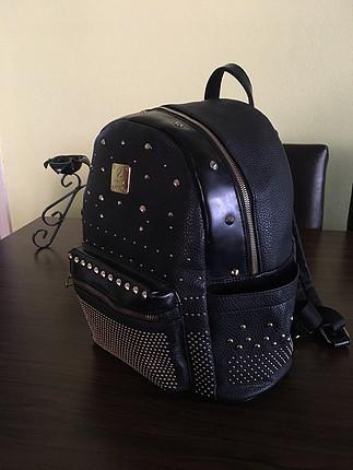 universal Beden siyah Renk Zımbalı sırt çantası