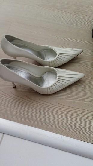 38 Beden inci marka kırık beyaz ayakkabı