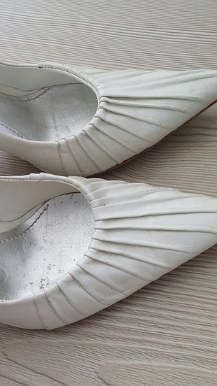 38 Beden beyaz Renk inci marka kırık beyaz ayakkabı