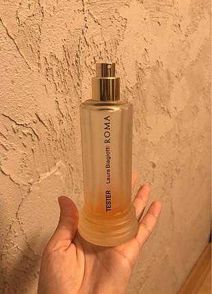 Roma parfüm şişesi