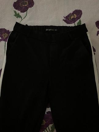 Zara Beyaz şeritli kumaş pantalon
