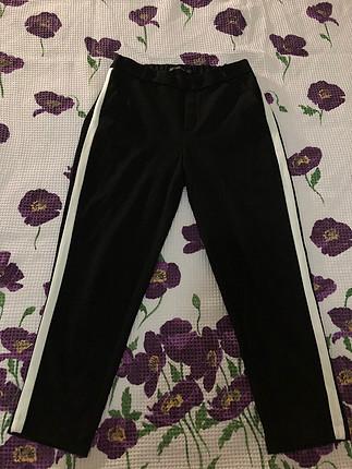 Beyaz şeritli kumaş pantalon