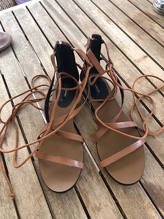İpli sandalet